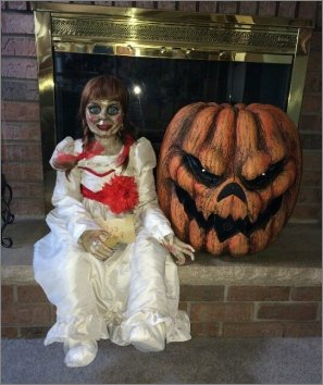 the conjuring annabelle horror haunted
