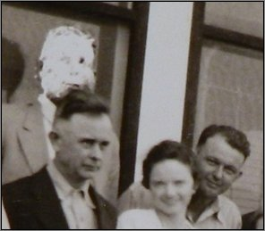 Goo-Man appears in old photograph, ghost, spirit?